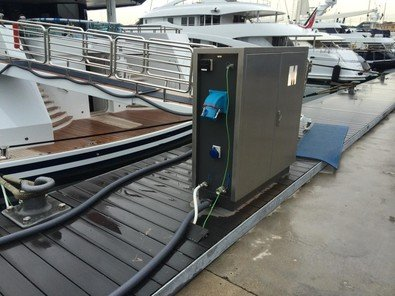 Vacuum Suction for smaller boats at the marina