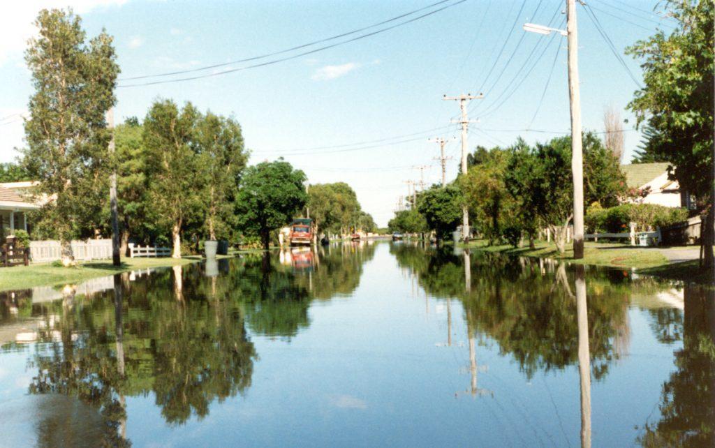 Vacuum sewerage system operating during floods